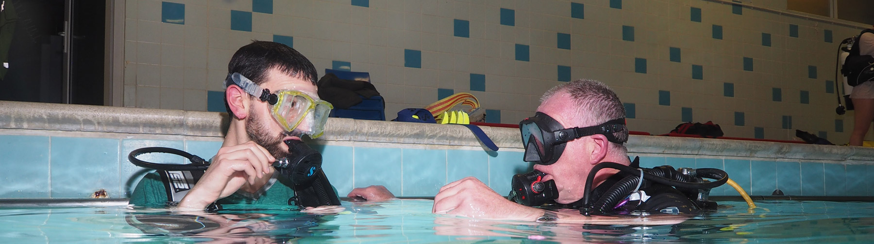 Try dive scuba training in pool