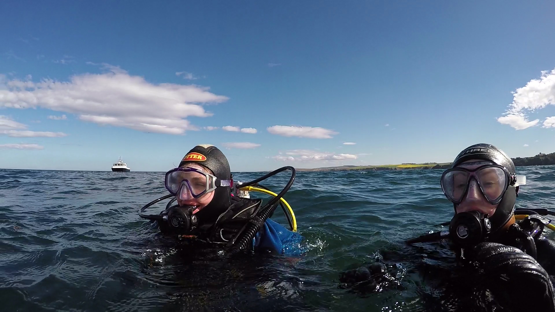 Scuba divers in Eyemouth, St Abbs